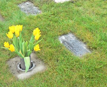 Cemetery_urn_garden Urn Garden $630